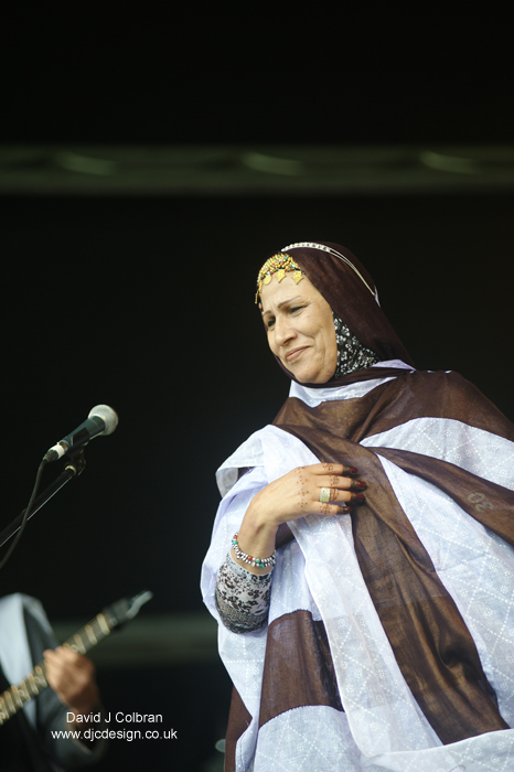 Mariem Hassan performing in the UK