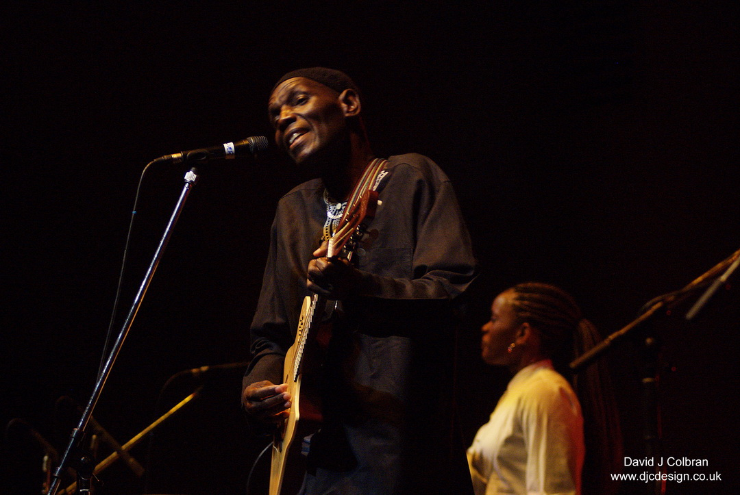 Oliver Mtukudzi RIP file pix available for licence